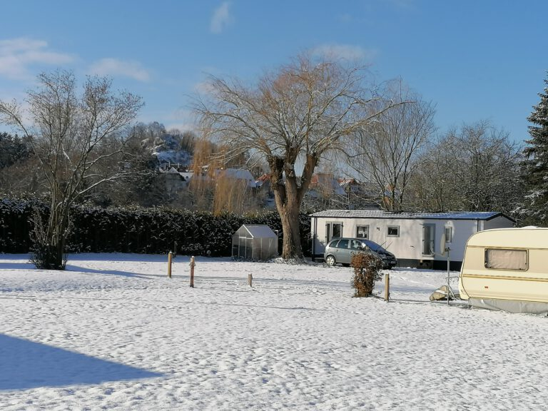 Schnee Seecamping
